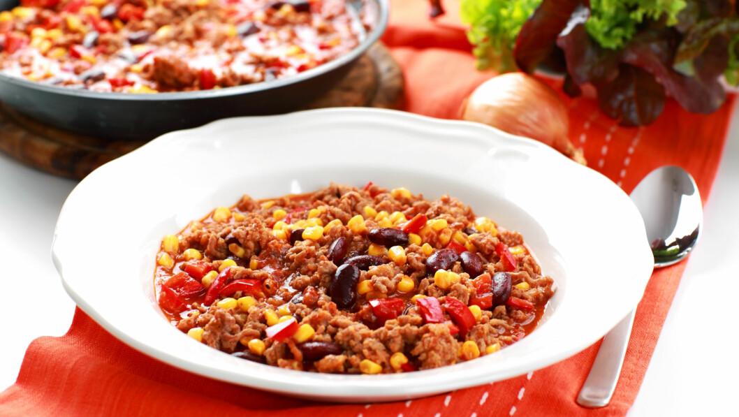 HOT OG GODT: En chili con carne gir deg bønnene du trenger! Du kan godt droppe kjøttet, eller erstatte med kyllingkjøttdeig for en magrere variant. Foto: Colourbox