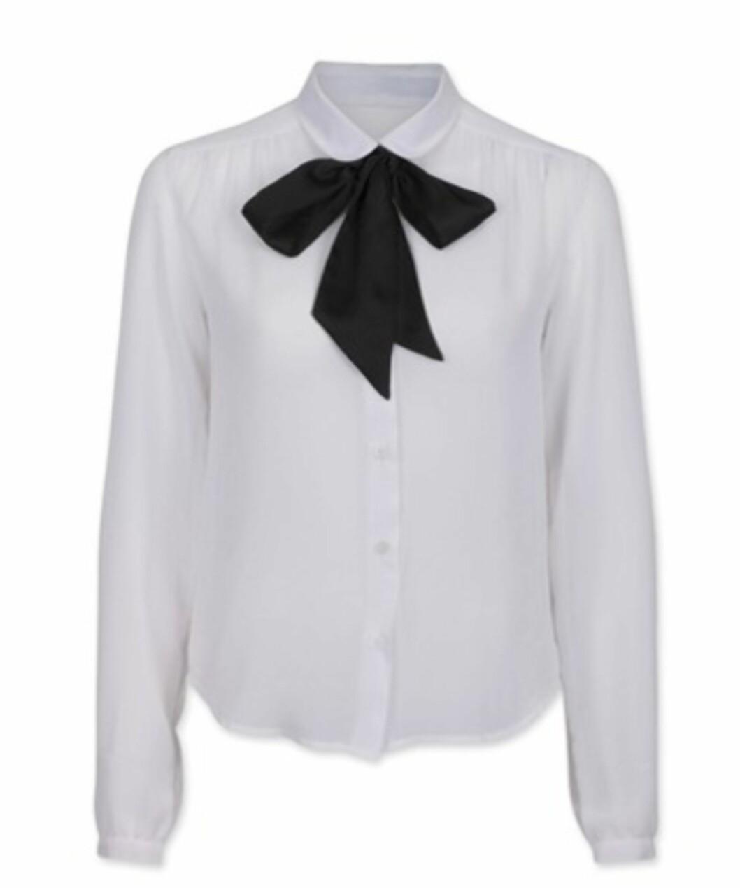 Snuppete bluse med sløyfe (kr.299/BikBok). Foto: Produsenten