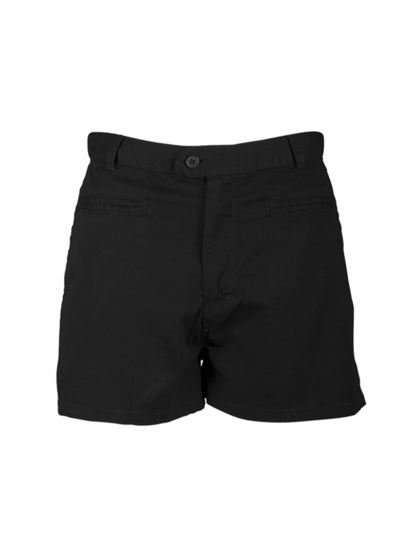 Svart shorts med høyt liv (kr.199/Indiska). Foto: Produsenten
