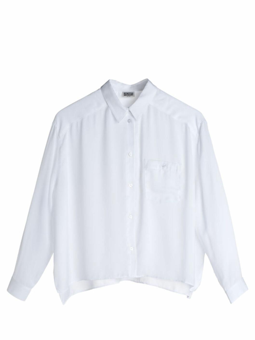 Skjorte med liten lomme på brystet (kr.400/Weekday). Foto: Produsenten