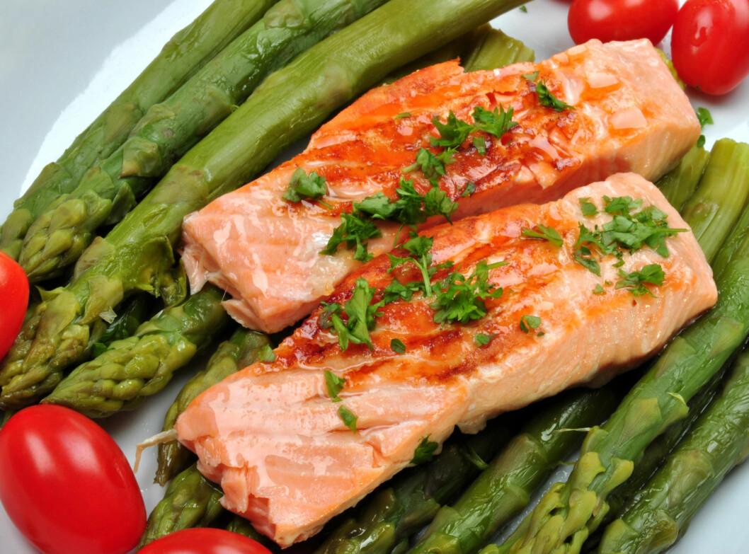GI HJERNEN OG KROPPEN ALLE FORDELENE AV FISKEN: Fiskeslag har forskjellig nivå av hjertevennlige fettsyrer. Enkelte inneholder også mer kvikksølv enn andre. Finn ut hvordan du får det beste fiskemåltidet. Foto: Colourbox.com
