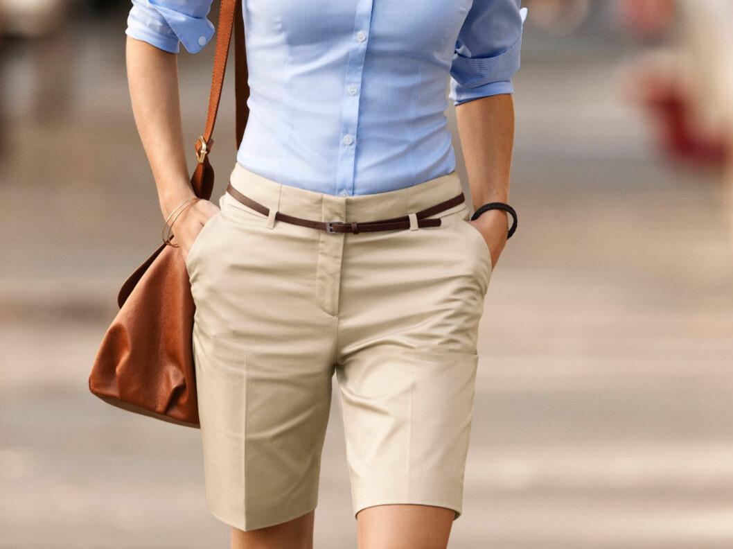 SÅ LEKKERT KAN DET GJØRES: Selv om du har en annen kroppsfasong enn den som er avbildet her, finnes det en shorts som passer for deg. Sjekk tipsene under. Foto: Produsenten