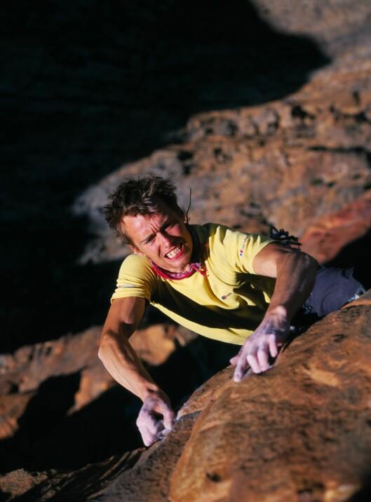 <strong>KLATRESTJERNE:</strong> 30 år gamle Leo Houlding fra Storbritannia er en av verdens mest kjente klatrere. Her i Sør Afrika. Foto: Berghaus