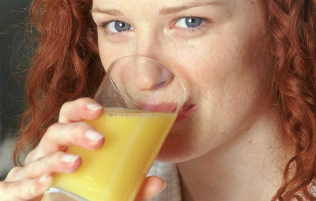 IKKE SÅ SUNT: Å drikke juice er ikke så smart som du kanskje tror. Foto: Colourbox