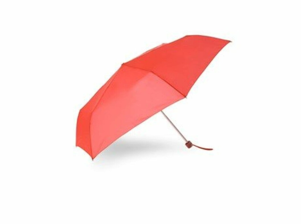 Knallrød paraply (ca kr.105/Accessorize). Foto: Produsenten