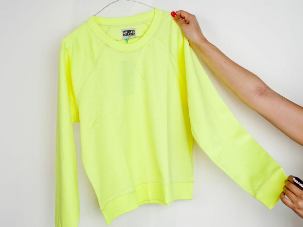 Neongul genser fra Weekday. Foto: Per Ervland