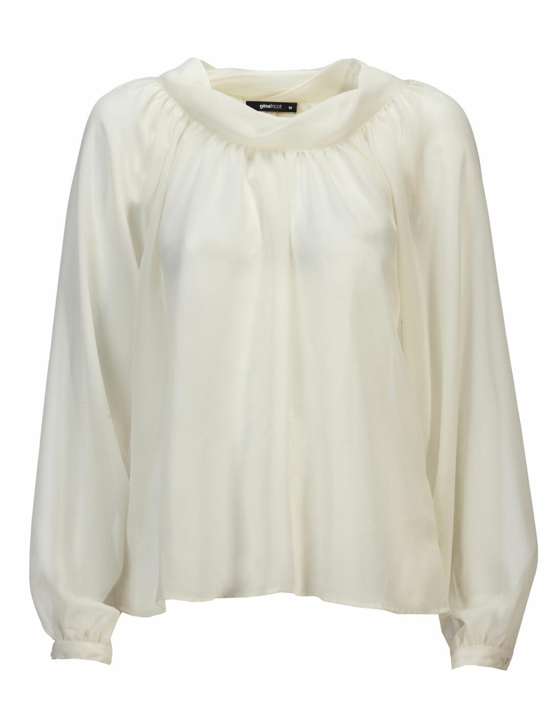 Kremfarget bluse (kr.199). Foto: Produsenten