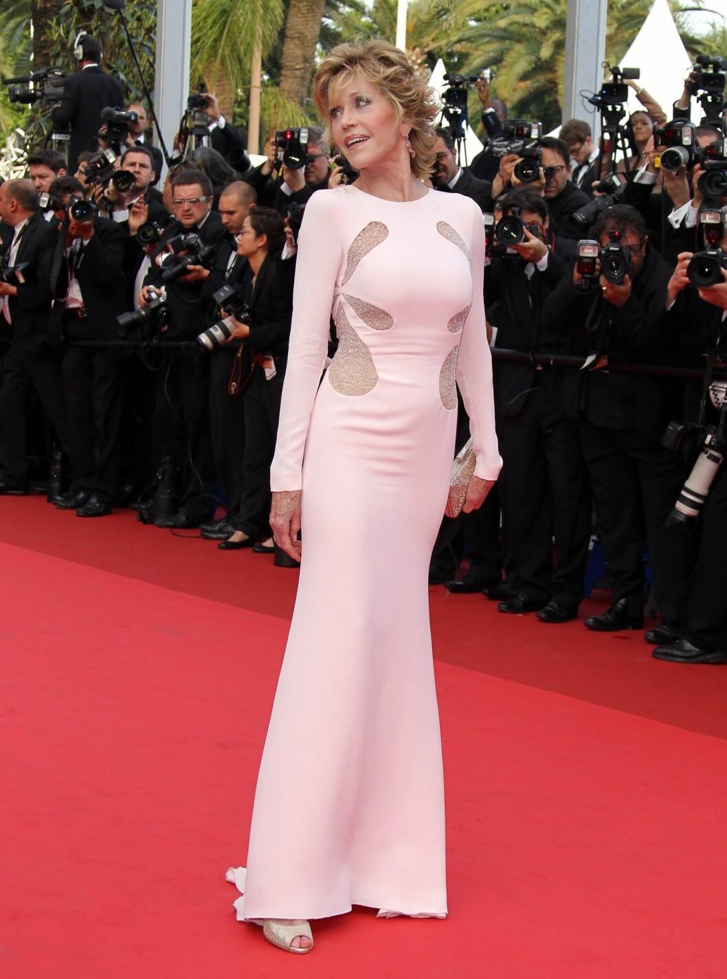 ALLE ELSKER PUCCI: Skuespiller Jane Fonda på premieren av Sleeping Beauty i Cannes. Foto: All Over Press