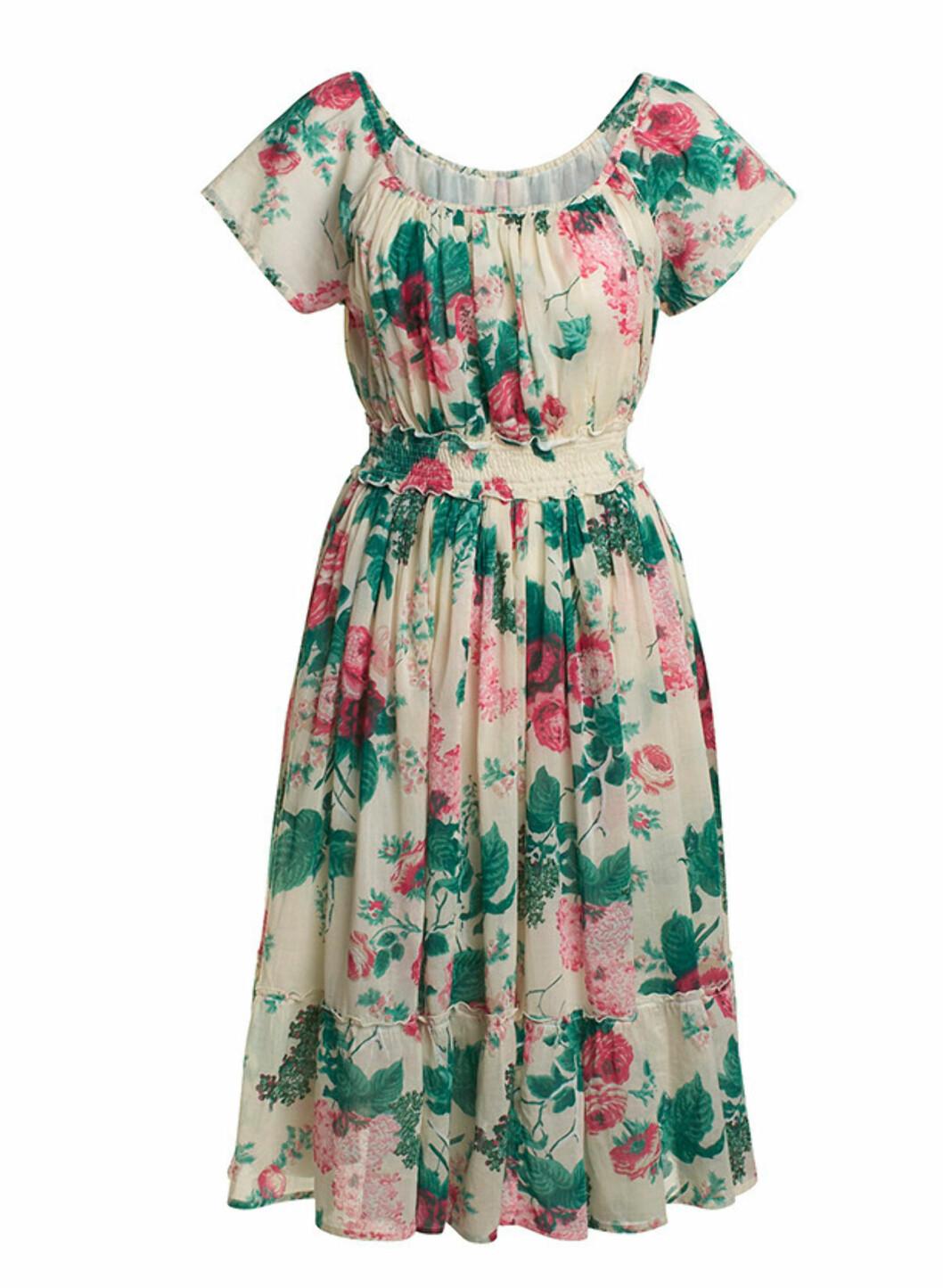 Vintageaktig kjole med blomstermønster i 100 prosent bomull (kr.199/Lindex). Foto: Produsenten
