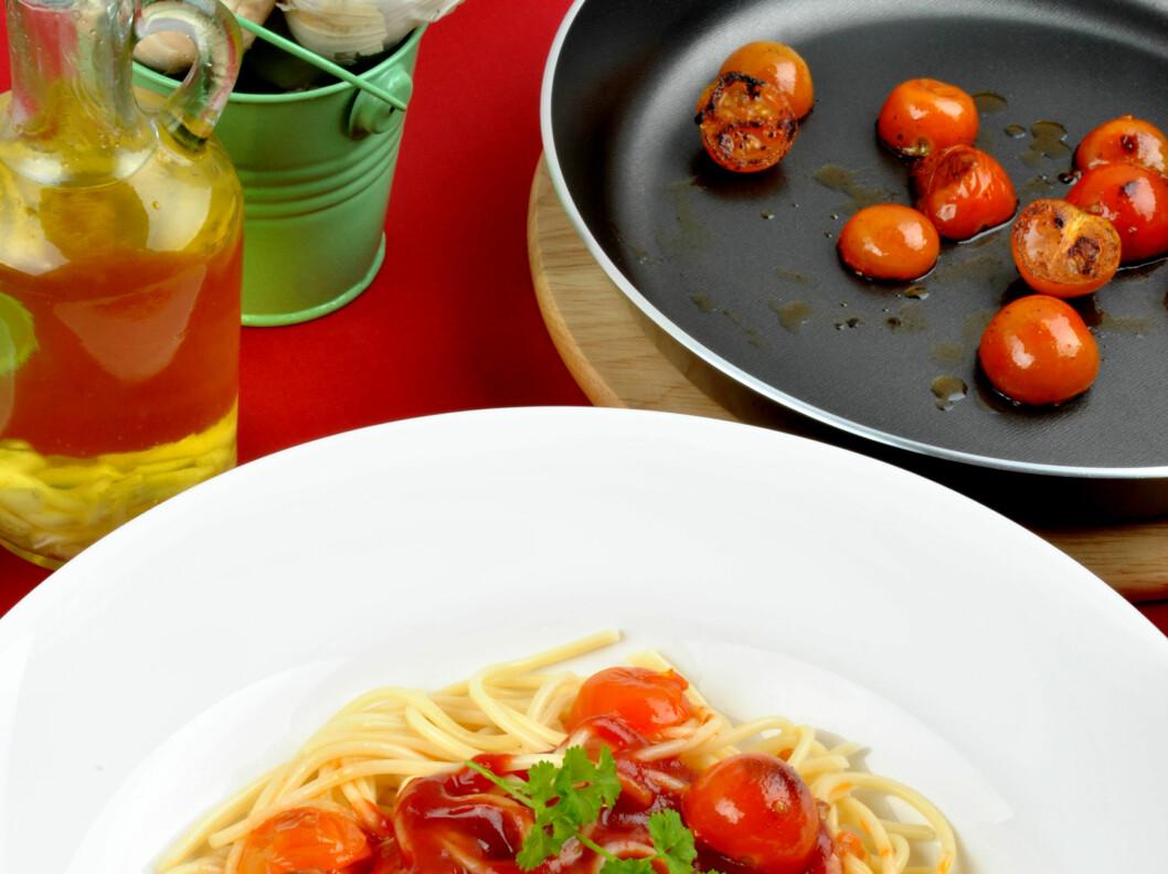 De røde herlighetene er ekstra sunne med god olivenolje som følge. Noen matvarer får det beste frem i hverandre.