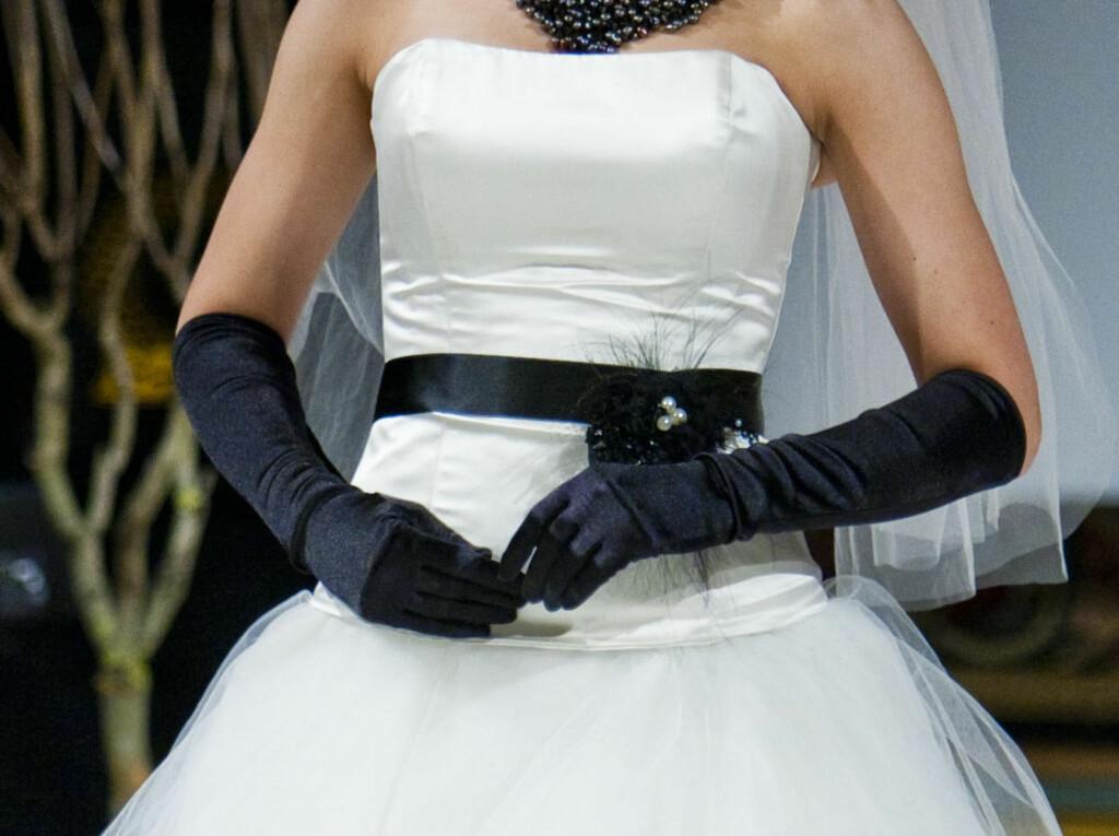 e1773280 SVARTE DETALJER ER SUPERHOT: En annen trend av året er dessuten kjoler som  du kan