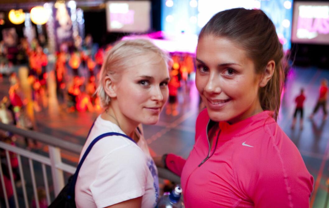TRENINGSVENNINNER: - Det hjelper å finne noen å trene sammen med, mener Eva Weel Skram (25), her sammen med venninne Tone Damli Aaberge. Få tips fra eliteinstruktørene lenger nede i saken.  Foto: Per Ervland