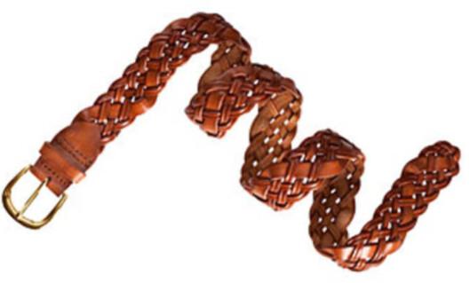BELTE: Flettebelter blir stort, og de må gjerne knytes i steden for å festes på vanlig måte (belte i skinnimitasjon satt ned fra kr 179 til kr 99, H&M).