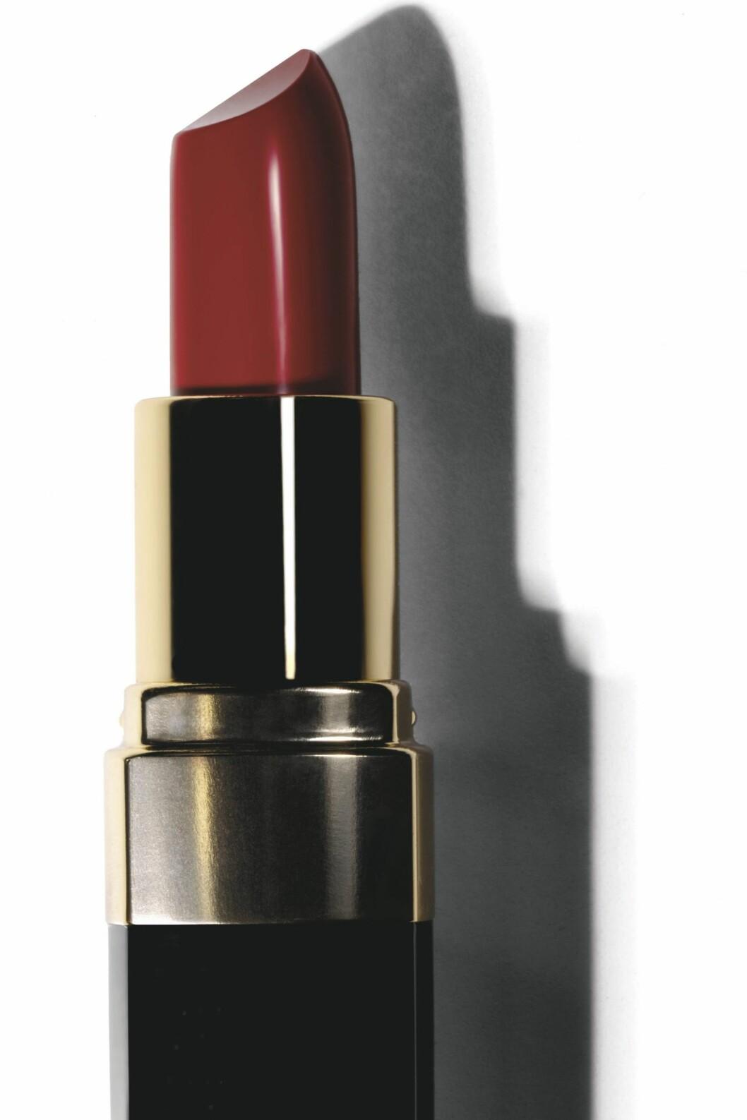 Bobbi Browns nye Lip Color i den superflotte rødfargen Hollywood Red, kr 210. Foto: Produsenten
