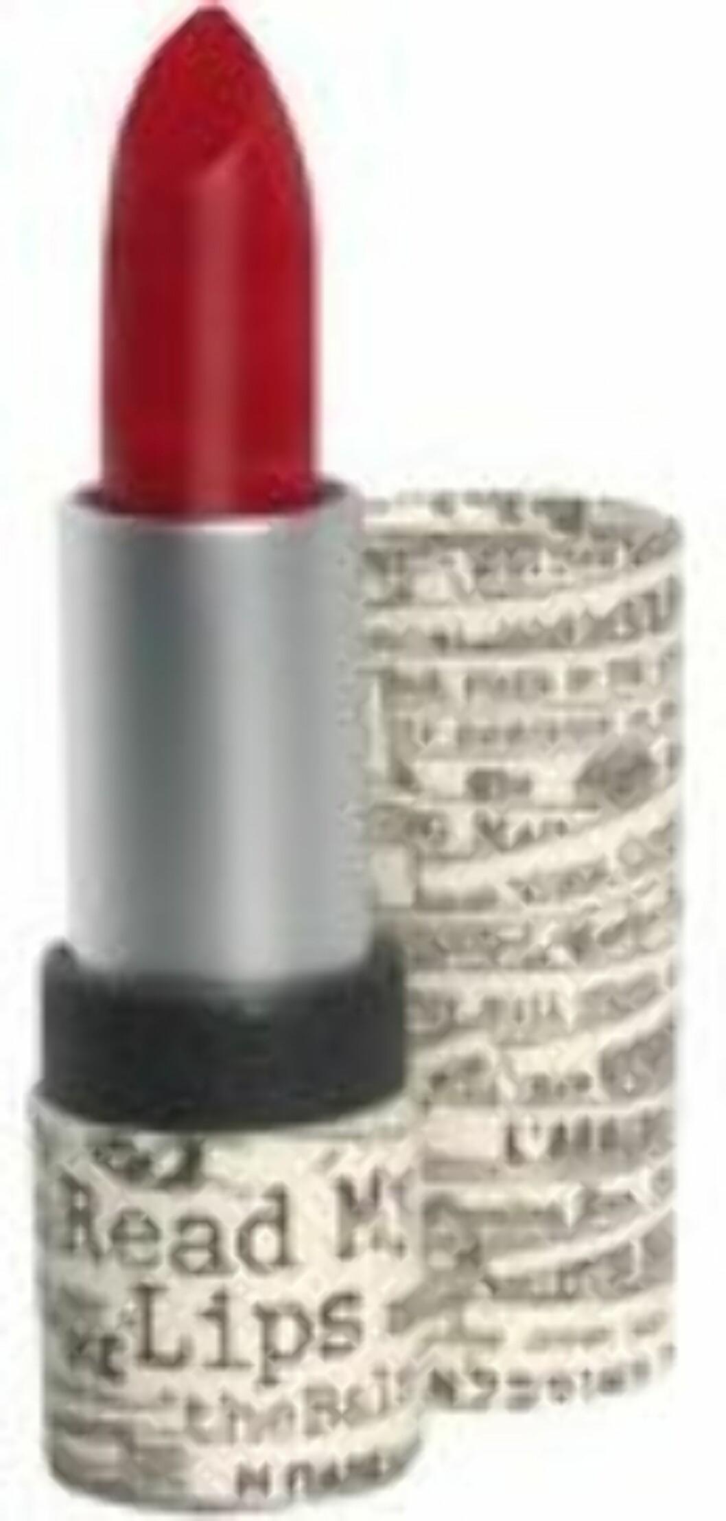 Leppestiften Read My Lips fra The Balm i fargen Wanted inneholder vitamin A og E, olivenolje og jojobaolje, som gir en kremete konsistens, kr 149.  Foto: Produsenten
