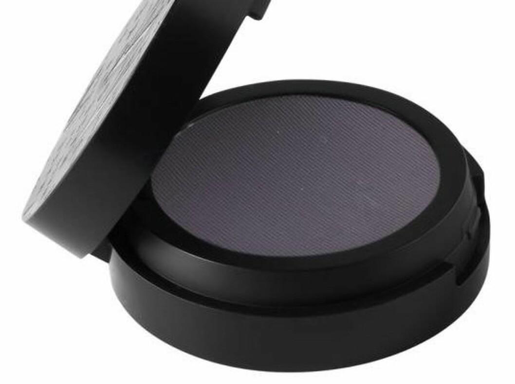 Make Up Store Microshadow i Plum er er en flott farge for å definere øynene, kr 140. Foto: Produsenten