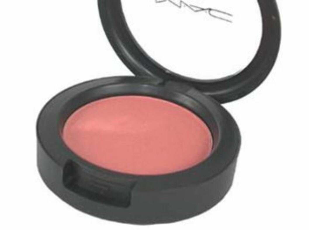 MAC Style blush er en nydelig ferskenfarge med et hint av gull, og gjør underverker for lys hud, kr 160.  Foto: Produsenten