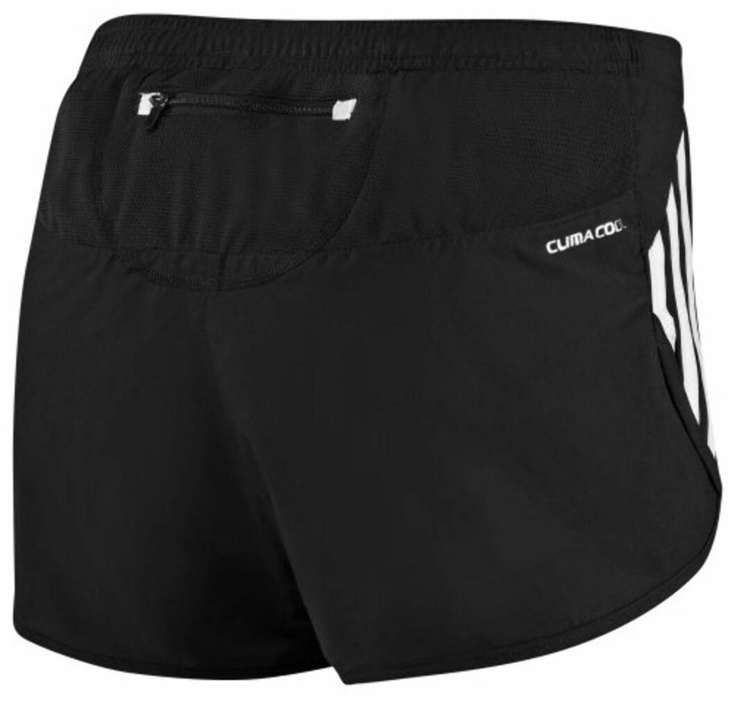Shorts fra Adidas med smart lomme bak. Her unngår du at telefon og nøkler dasker mot låret under treningen.