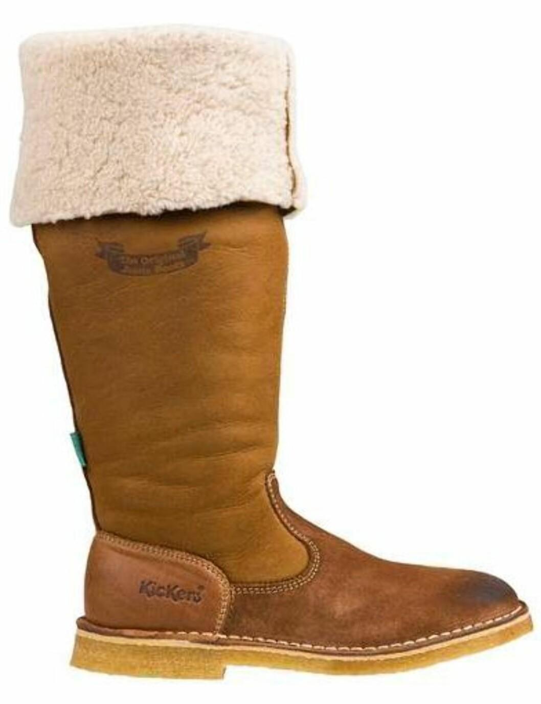 Skinnsstøvel med pelsoppbrett og fleecefor (kr 2499, Kickers/Logoshopping.no