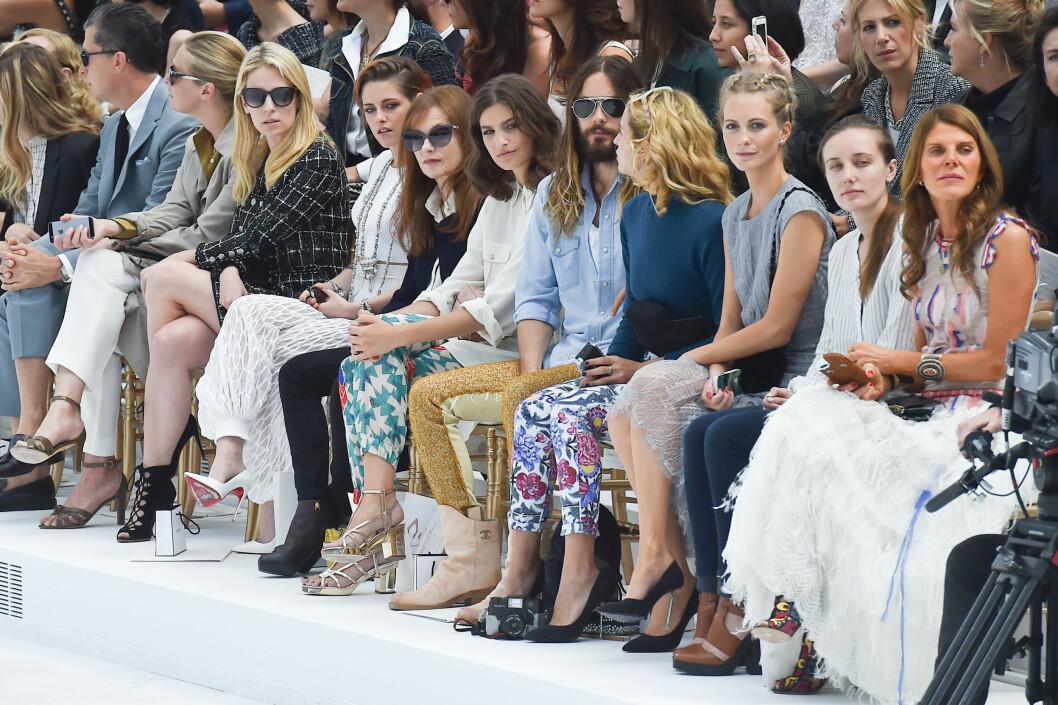 FØRSTE RAD: Sitter det noen potensielle couture-kunder her mon tro? Foto: Abaca