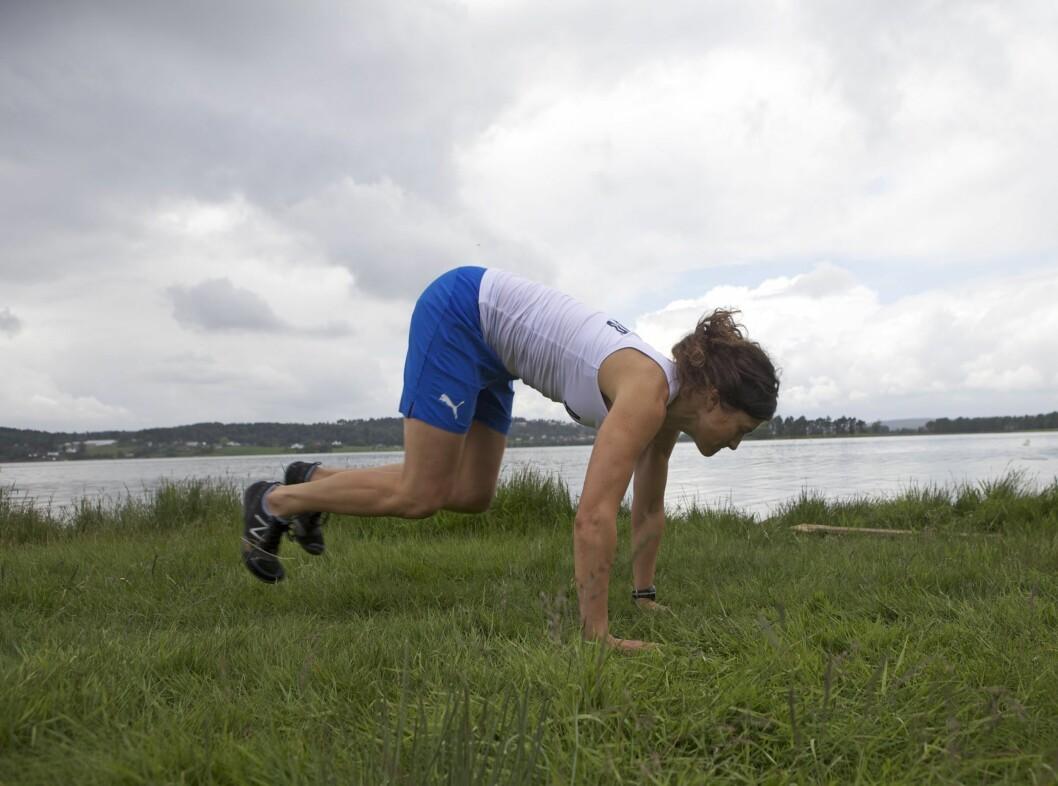 <strong>BURPEE:</strong> En burpee er en kombinasjon av spensthopp, knebøy og push-ups.  Foto:  Tony Blom-Pettersen