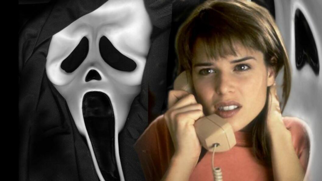 GHOSTFACE: Masken morderen bruker i «Skrik»-filmene er blitt ikonisk, og filmene har faktisk fått skylden for en rekke Skrik-inspirerte drap. Her er Neve Cambell i rollen som Sidney Prescott. Foto: Filmweb