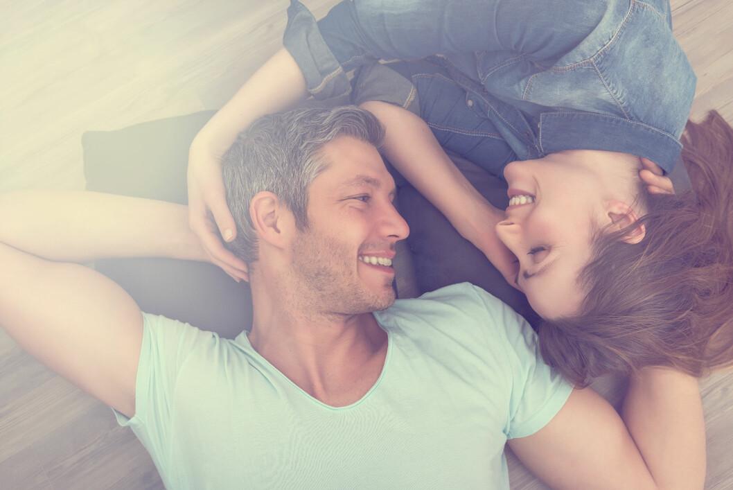 <strong>INTIMITET:</strong> Positiv kommunikasjon, med ros og gode tilbakemeldinger er viktgi for å beholde nærheten i et forhold. Foto: NTB scanpix
