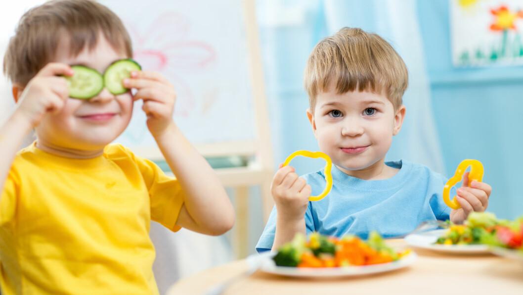 FÅ BARNET TIL Å SPISE: Det er helt naturlig at matlysten hos går litt opp og ned, og det er ikke alltid så lurt å gi det for mye oppmerksomhet.  Foto: Scanpix