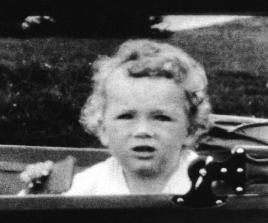 KRØLLTOPP: Den lille gutten Charles A. Lindbergh jr. ble bare 20 måneder gammel. Han ble kidnappet fra sitt hjem i New Jersey 1. mars 1932. Dette bildet er tatt i august 1931.  Foto: The Associated Press / NTB Scanpix