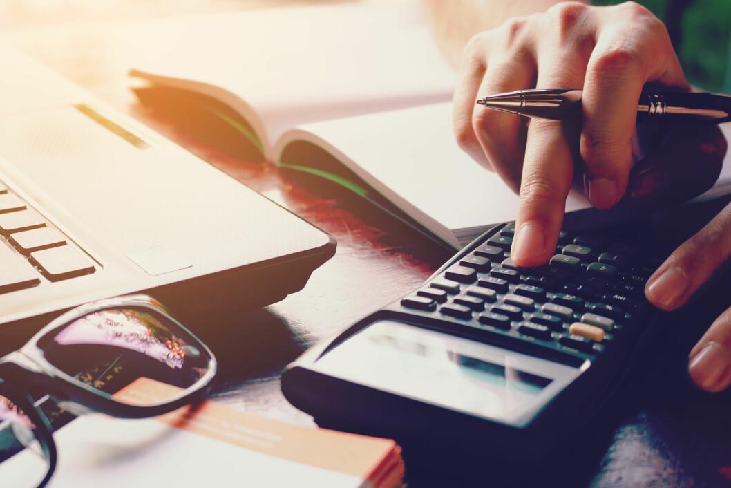 BRA FOR FORBRUKET: Med kredittkort har du bedre oversikt over forbruket i ferien, sier forbrukerøkonom Elin Reitan.  Foto: Shutterstock / wutzkohphoto