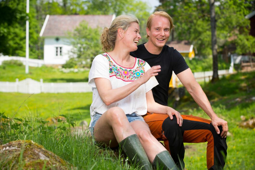 FANT TONEN: Allerede under innspillingen av Kjendis Farmen i fjor sommer hadde Petter Pilgaard og Vendela Kirsebom funnet en god tone seg i mellom. Foto: TV 2