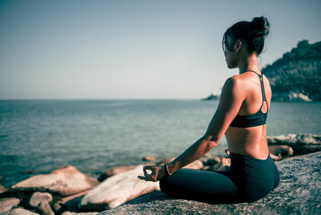YOGA: Mange mennesker synes «floating» er et bra supplement til meditasjon, yoga og selvutforskning, sier Anette Kjellgren, som også mener vi må bli flinkere til å slappe av.  Foto: NTB scanpix