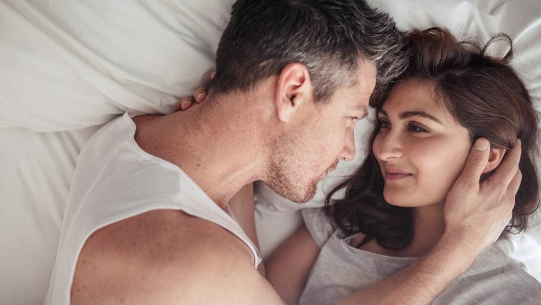 ANTALL SEXPARTNERE: Selv om det egentlig ikke burde ha noe å si, så kan både menn og kvinner lure veldig på hvor mange den andre har ligget med. Foto: NTB Scanpix