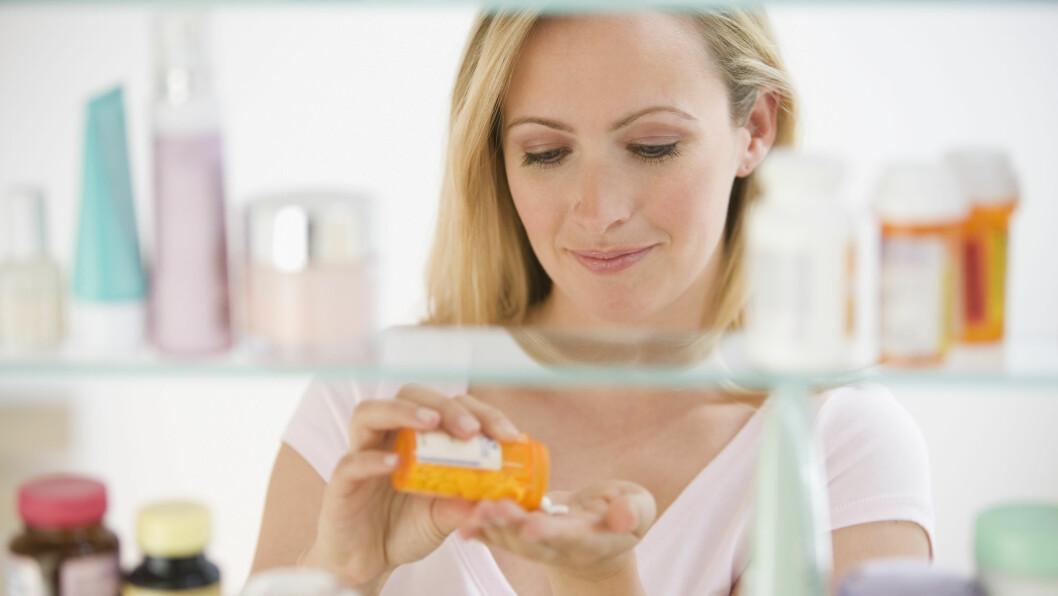 MEDISINER: Det er et par ting du bør sjekke før du legger ut på reise med dine faste medisiner.  Foto: NTB Scanpix