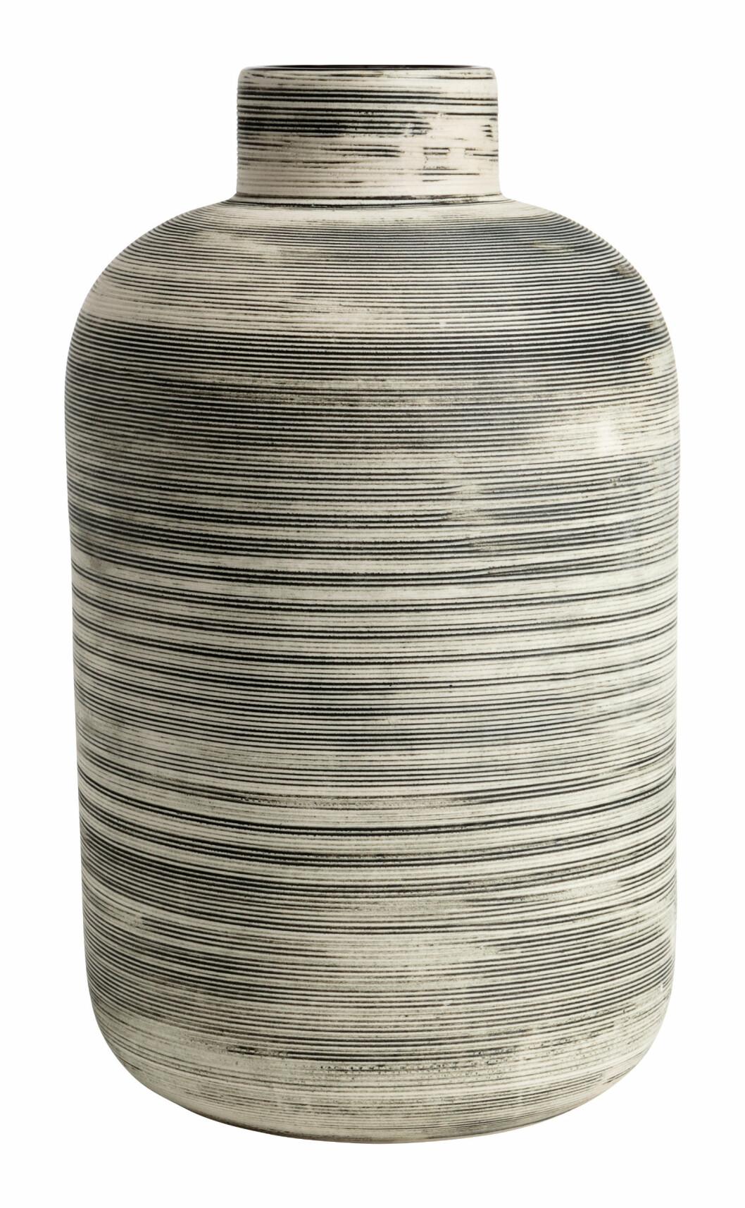 Stor vase i stengods fra H&M Home │ kr 199 │
