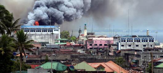 Mens verdens øyne er rettet mot Mosul, kjemper filippinerne en blodig kamp mot IS hjemme