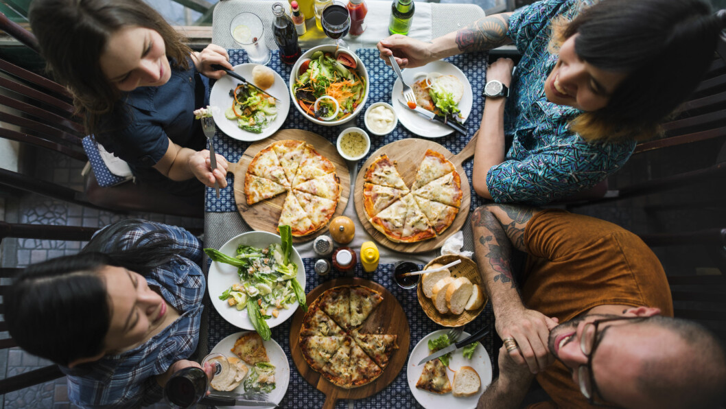 GALLESTEIN: Får du smerter i øvre del av magen etter å ha spist et fettrikt måltid kan det skyldes gallestein. Det er imidlertid som regel ikke farlig.  Foto: NTB scanpix