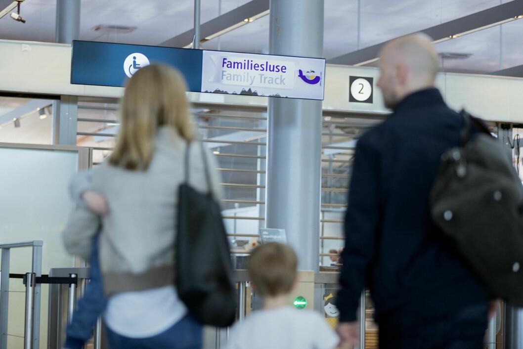 EGEN SLUSE: På Oslo lufthavn har de egen familiesluse.  Foto: Sune Eriksen / Avinor