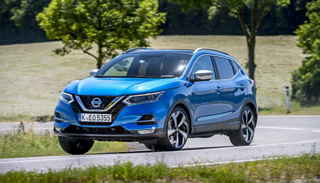 <strong>TØFF I TRYNET:</strong> Ny front, lykter, felgdesign og enkelte oppgraderinger venter nye kjøpere av Nissan Qashqai. Foto: Rune M. Nesheim