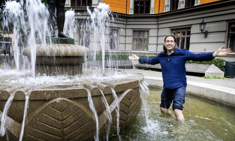 PÅ DYPT VANN: Redaktør Christian Kjelstrup tror han er en annen type enn sine forgjengere i Samtiden. Foto: Gorm Kallestad / NTB Scanpix