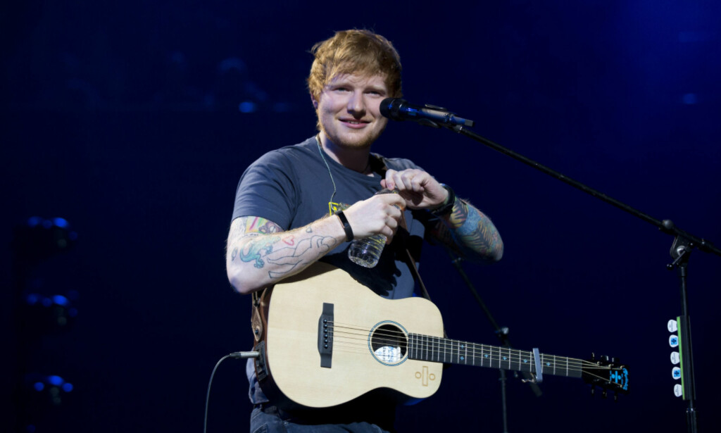 LOGGER AV: Ed Sheeran har sett seg lei hat og mobbing på Twitter. Nå forsvinner han fra nettstedet og sine 19,2 millioner følgere. Foto: NTB scanpix