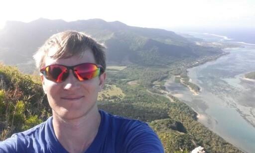 DET SISTE: Marius Johansen på Mauritius, det siste landet som gjensto før han hadde besøkt dem alle. Foto: Marius Johansen