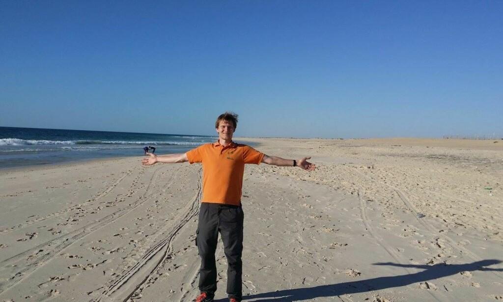 MAURITANIA: Det er mange strender i verden, som denne i Mauritiania. Foto: Marius Johansen