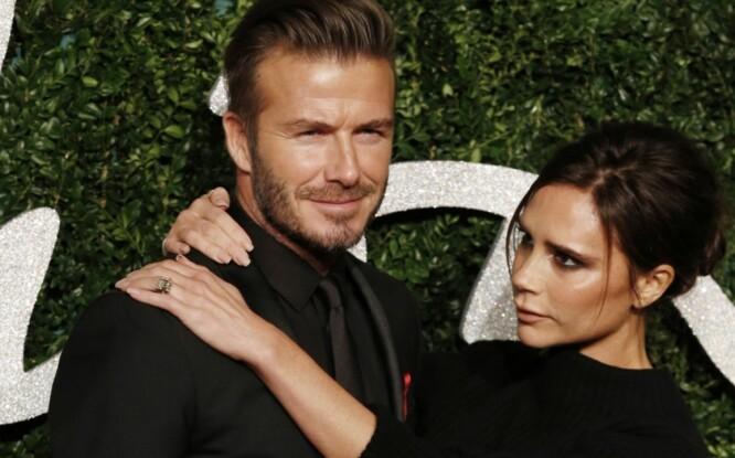 <strong>OMTALT PAR:</strong> David og Victoria er et av verdens mest berømte par og blir stadig omtalt i media. Sammen har de fått fire barn. Foto: Pa Photos