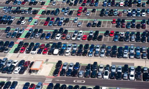 image: Stappfullt på Gardermoen:– Ikke sikkert du får p-plass i sommer
