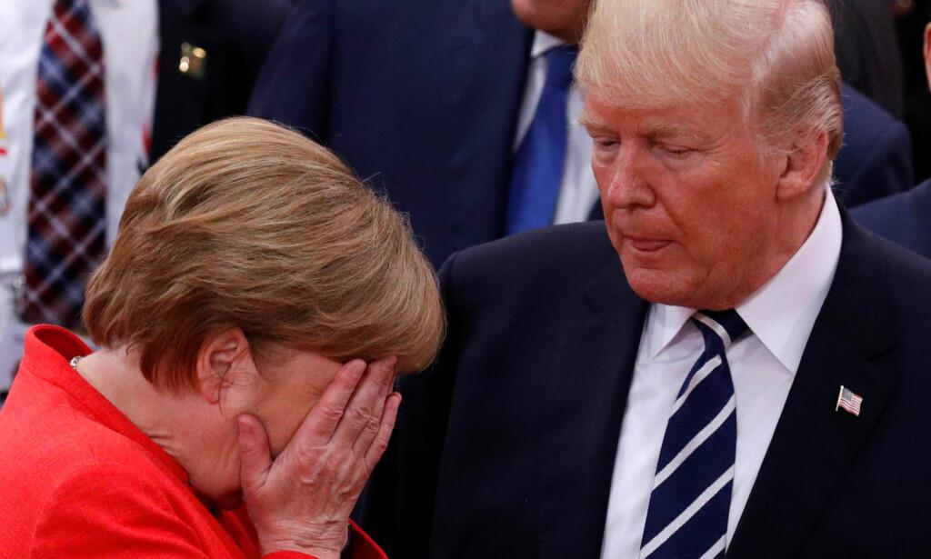 HVA VAR DET HAN SA? Angela Merkel reagerer på noe Donald Trump har sagt, fra Hamburg i juli. Foto: REUTERS / NTB Scanpix