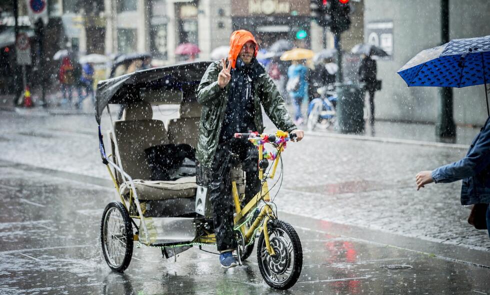 REGN: OBS-varselet er avlyst, men det kan fortsatt komme en og annen regnbyge. Foto: Bjørn Langsem / Dagbladet