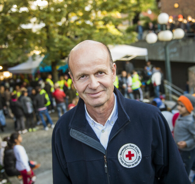 86546555 PRESIDENTEN: Alt Sven Mollekleiv gjør i Røde Kors er frivillig. Han bruker  all ferie