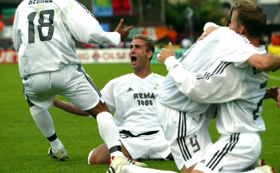BOHEMIANS: Rosenborg feirer etter Azar Karadas' scoring på Dalymount Park i Dublin i 2003. Foto: Gorm Kallestad / NTB Scanpix