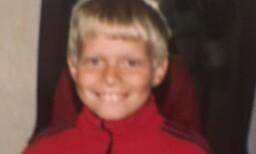 ET FORSIKTIG SMIL: Erlend som barn.